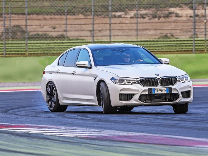 Nuova BMW M5 e BMW Driving Experience: in pista a Vallelunga