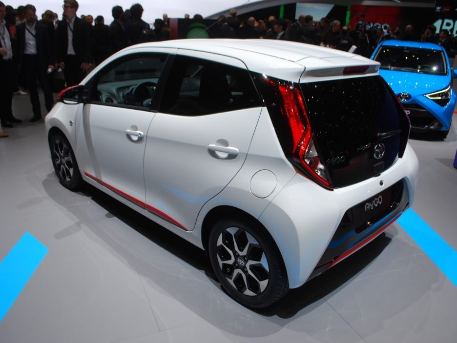 Toyota Aygo restyling tre quarti posteriore - Ginevra 2018