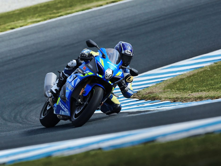 GSX-R1000RAL8_action_3 (2)