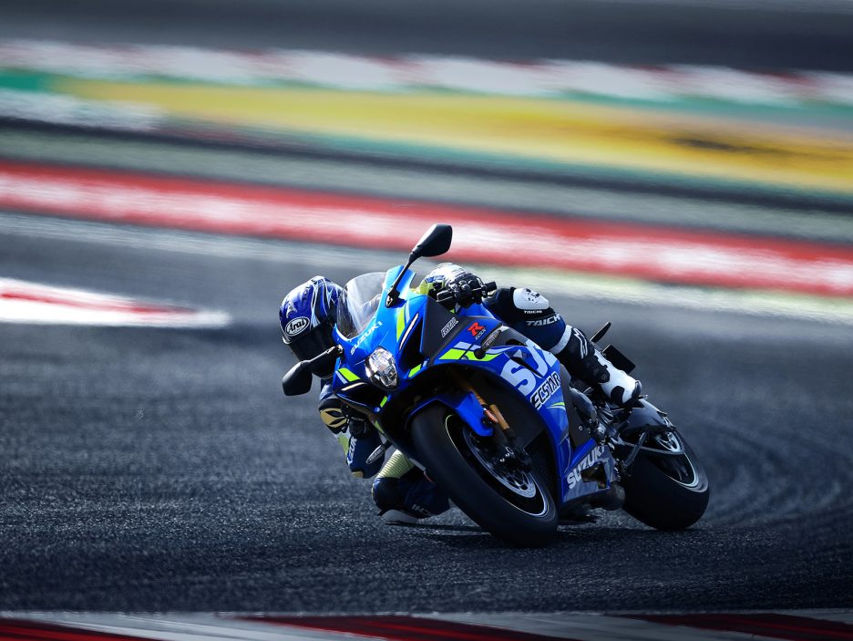 GSX-R1000RAL8_action_8 (2)