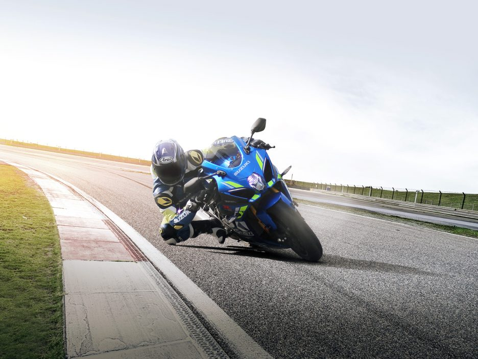 GSX-R1000RAL8_action_9