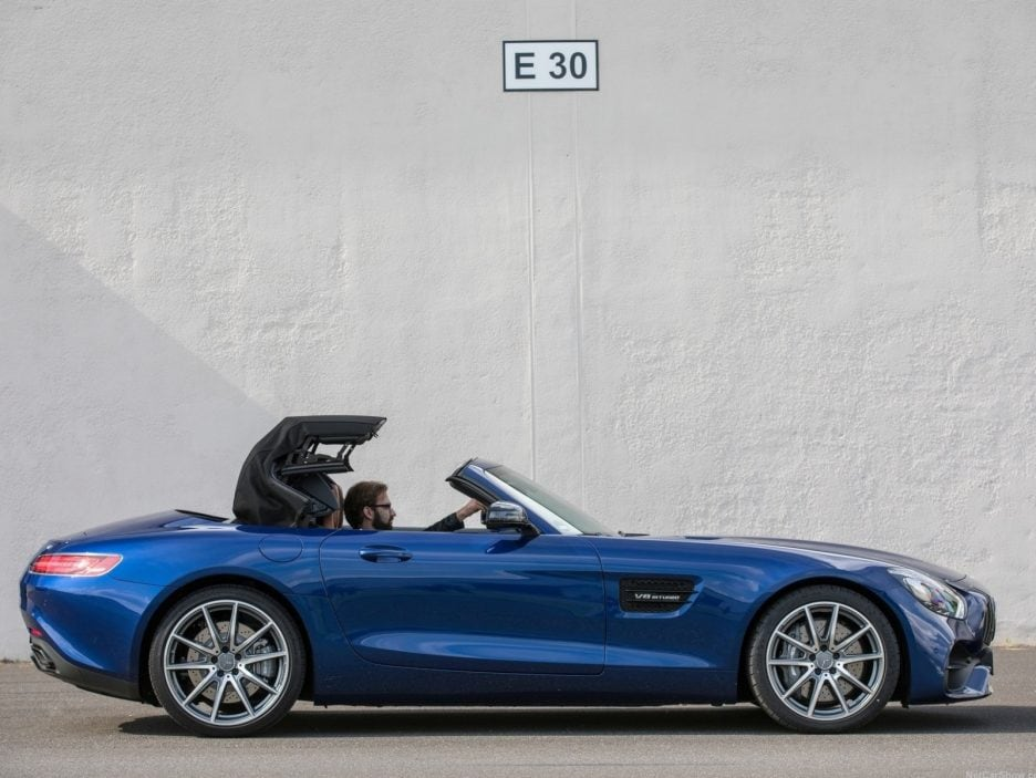 Mercedes GT AMG Roadster chiusura tetto