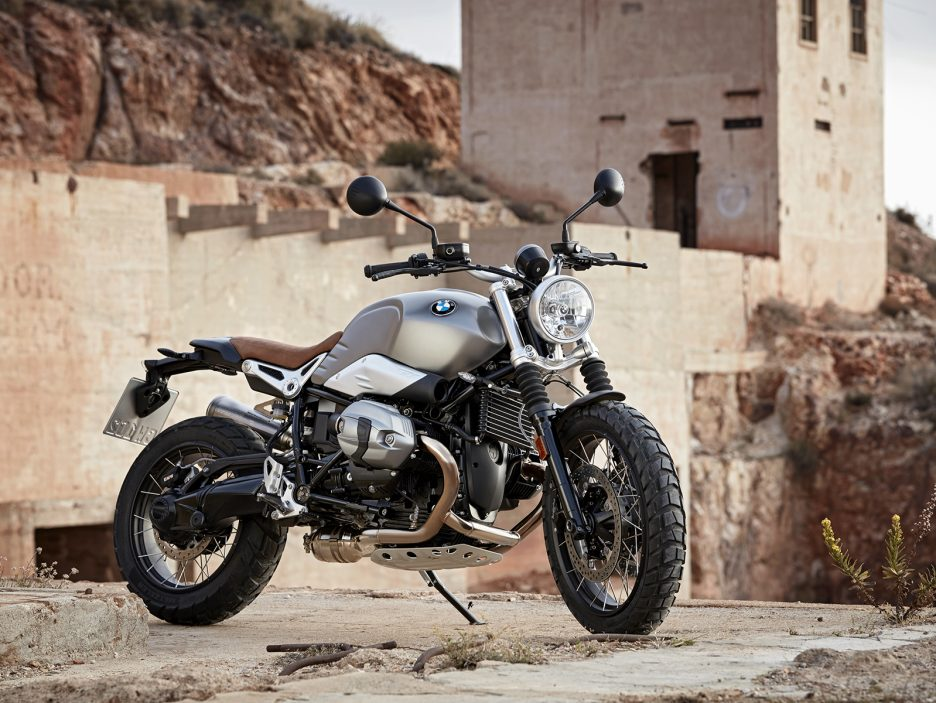 P90203103_highRes_the-new-bmw-r-ninet-