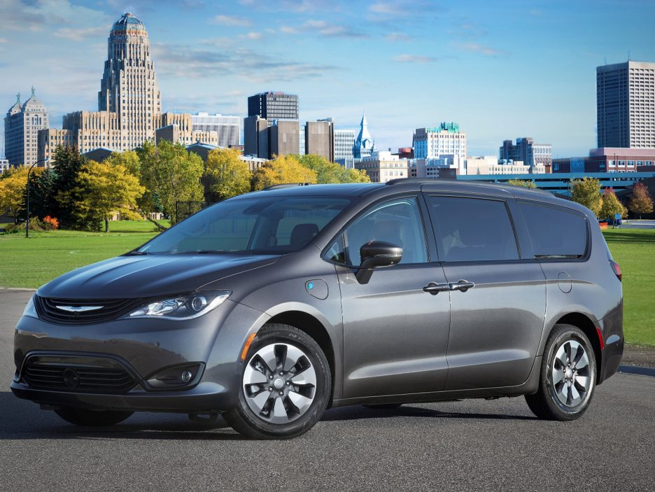 2018 Chrysler Pacifica Hybrid with the Hybrid Special Appearance