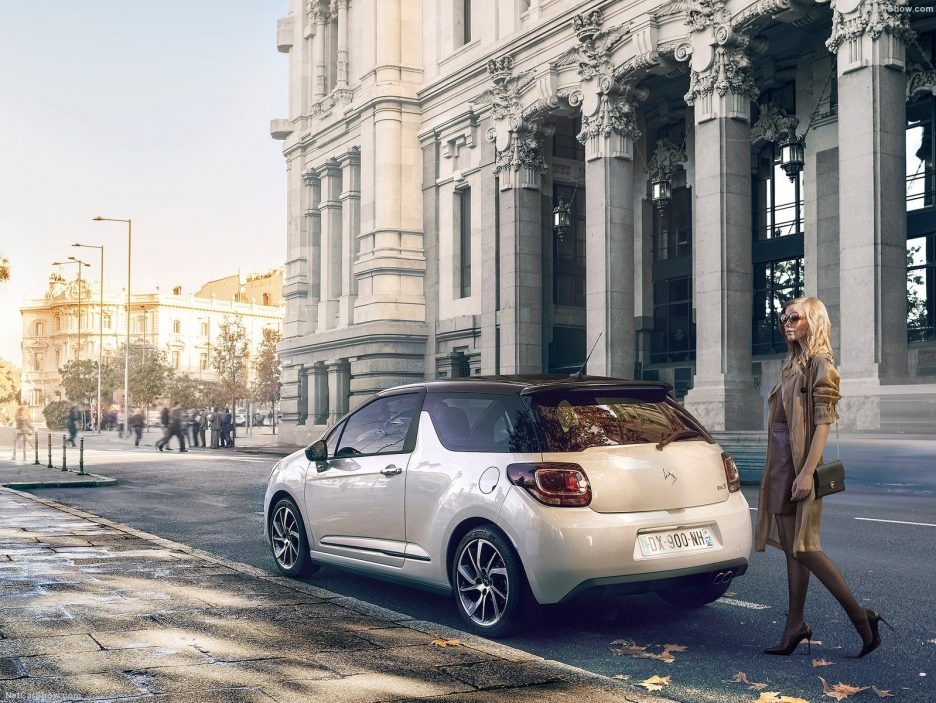 DS 3 restyling tre quarti posteriore