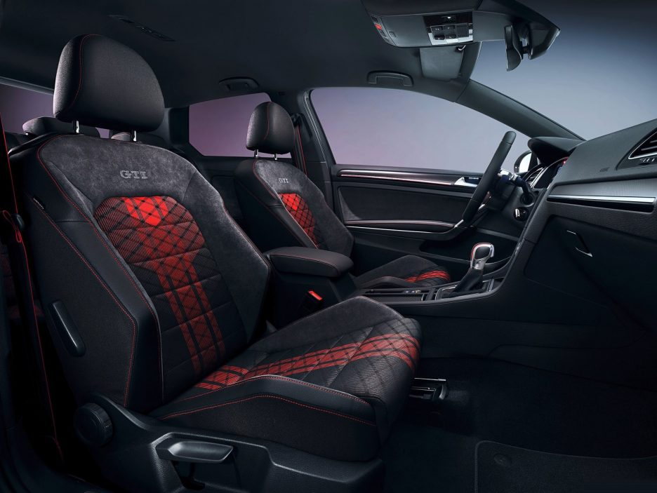 Volkswagen-Golf_GTI_TCR_Concept-2018-1600-0a