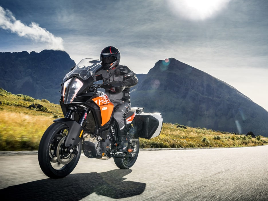 KTM 1290 SUPER ADVENTURE S_Action 03