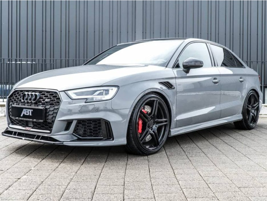 01_abt_audi_rs3_sedan_front_diagonal_1440x655c