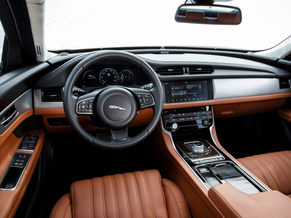 Jaguar XF interni