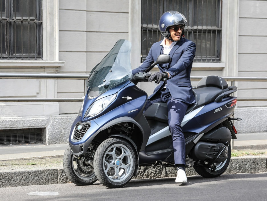 piaggio-mp3-500-hpe-business-action-3-