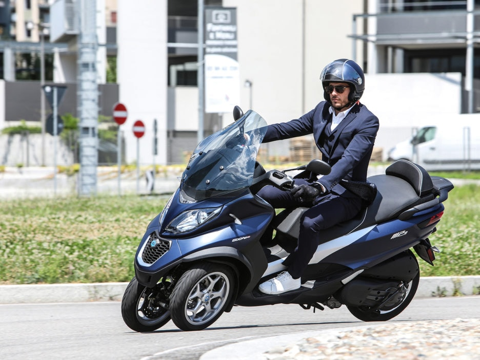 piaggio-mp3-500-hpe-business-action-8-
