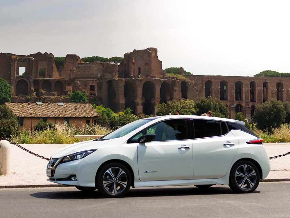 Nissan LEAF - Nissan Intelligent Mobility Thinking