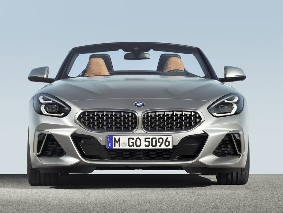P90318587_highRes_the-new-bmw-z4-roads