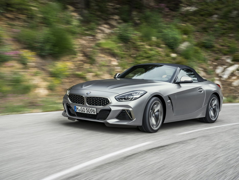 P90318595_highRes_the-new-bmw-z4-roads