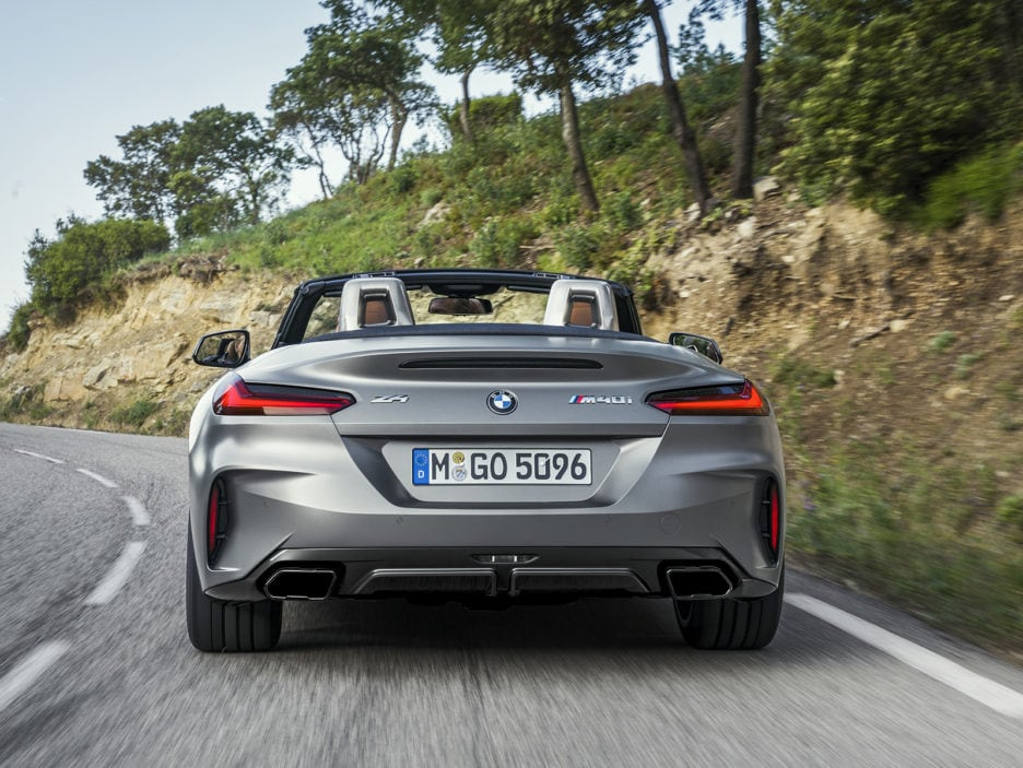 P90318601_highRes_the-new-bmw-z4-roads