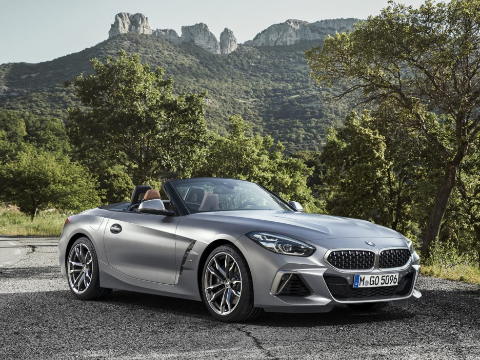 P90318607_highRes_the-new-bmw-z4-roads