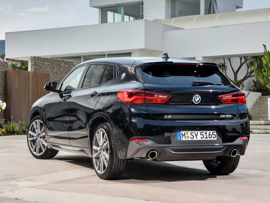 P90320364_highRes_the-new-bmw-x2-m35i-