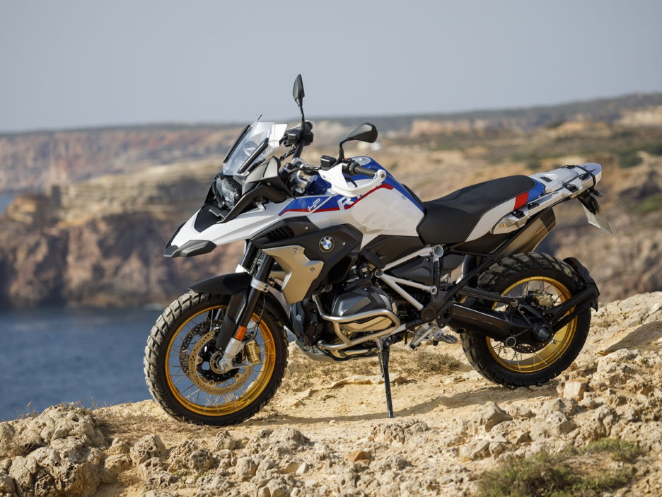 bmw r 1250 gs ed r 1250 rt ora con il nuovo motore boxer. Black Bedroom Furniture Sets. Home Design Ideas