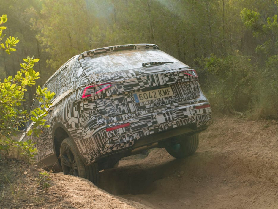 SEAT-Tarraco-on-and-off-road-performance-in-detail_005_HQ