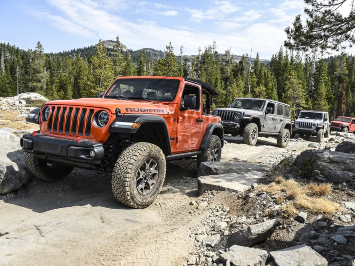 Jeep Wrangler Rubicon affronta il tracciato del Rubicon Trail in California