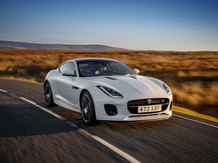 Jaguar F-TYPE Chequered Flag Limited Edition, la versione speciale per i 70 anni