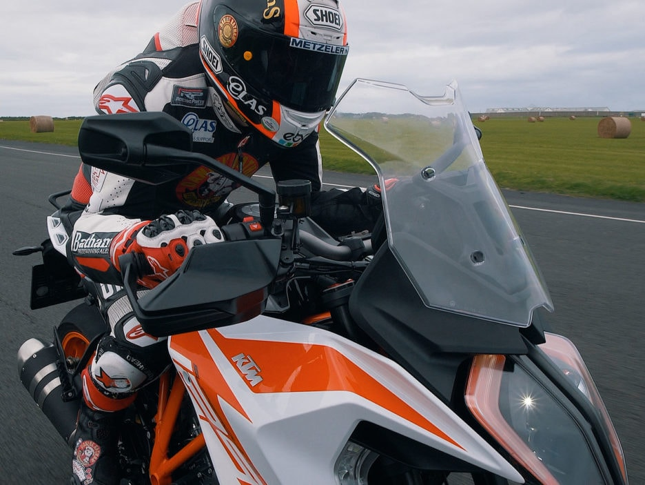 KTM 1290 SUPER DUKE GT at TT Isle of Man (4)