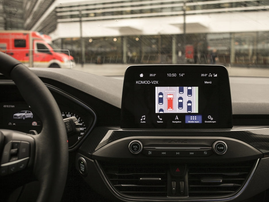 Prototype Tech Quickly Warns Drivers of Accidents Ahead, Could H