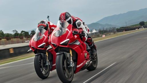 15_DUCATI PANIGALE V4 R ACTION_UC69252_High