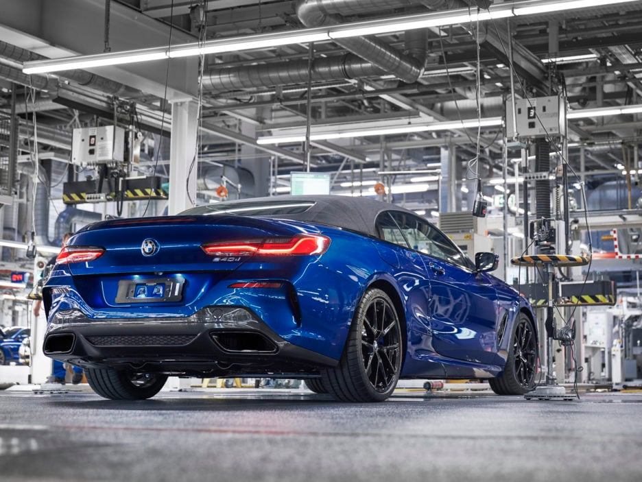 P90329364_highRes_the-new-bmw-8-series