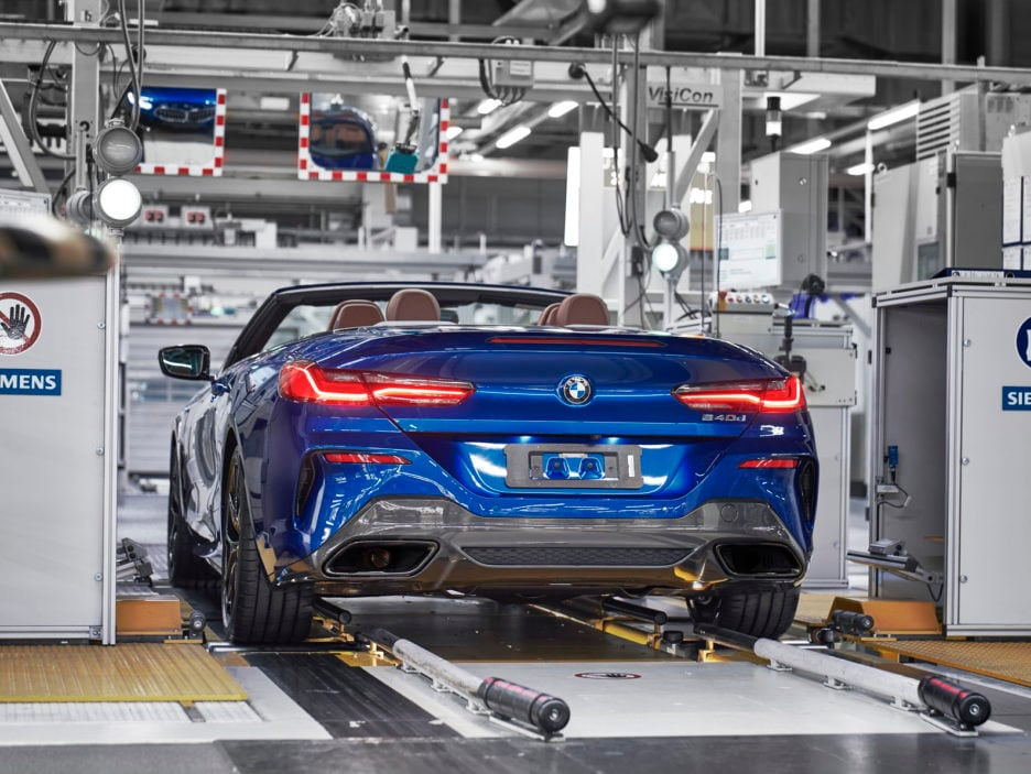 P90329369_highRes_the-new-bmw-8-series