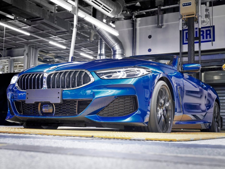 P90329370_highRes_the-new-bmw-8-series