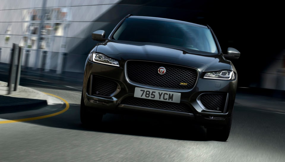 Jaguar F-Pace: le due nuove special edition 300 Sport e Chequered Flag